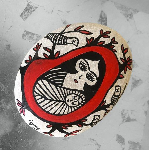 Arab Mothers Pebble Art 2