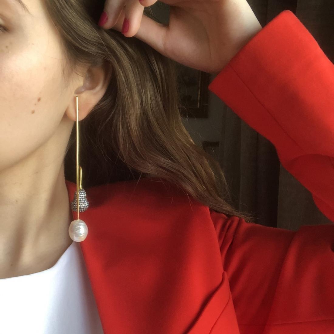 Bean Meets Pearl Gold-Plated Pierced Earrings