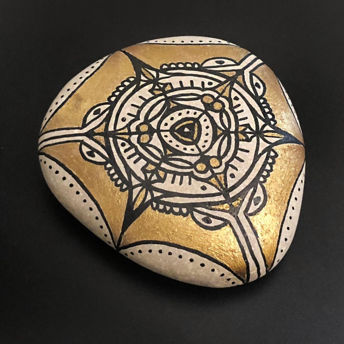 Arabesque Pebble Art 2